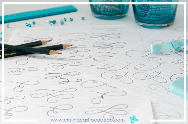 También hay que practicar las florituras para decorar nuestras composiciones de los letterings.