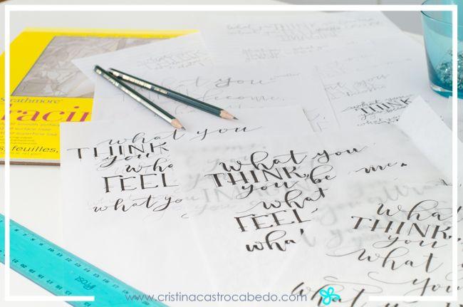 El papel de calco es fundamental para dar forma a nuestras composiciones y poder hacer los cambios necesarios durante el proceso.