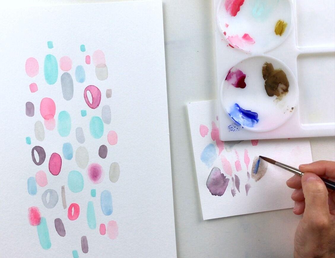Utiliza un trozo de papel de acuarela para descargar el exceso de pintura
